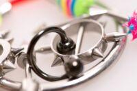 Titkos díszek a testen: intim piercingek